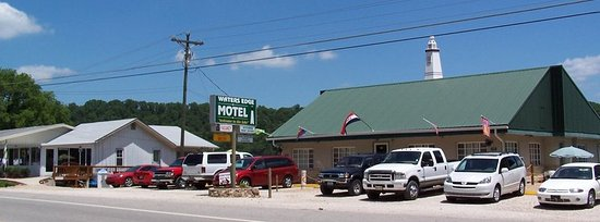 Waters Edge Motel: 25587 MO 5 is your Front Door to fun, our Lake Front Yard and Docks are waiting for you.