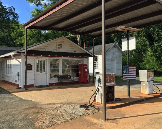 Billy Carter Gas Station Museum