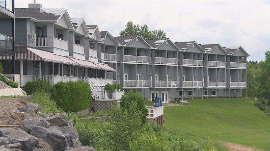 Saint-Gedeon, Canada: Vue de face sur le lac