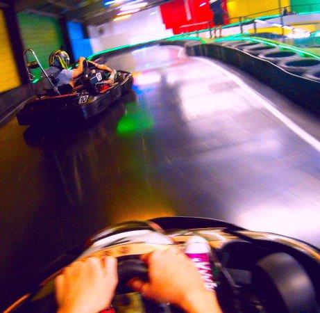 Nerang, Australia: Close racing amongst friends