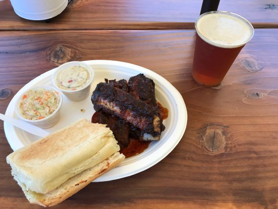 Buster's Southern BBQ & Bakery: photo0.jpg