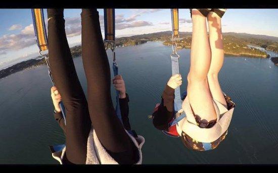 Paihia, New Zealand: Hang upside down for the ADRENALIN PARASAIL version!