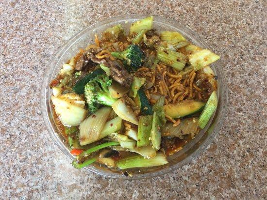 Queen Charlotte City, Canadá: Szechuan Beef Chow Mein (2017)