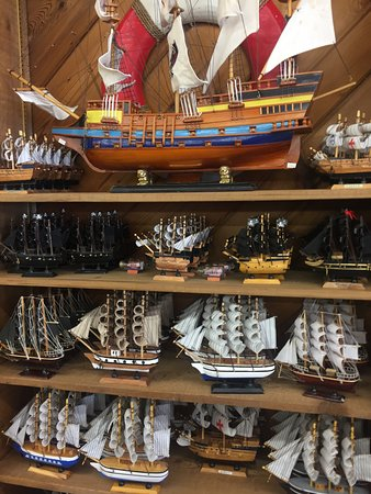 Rockport, TX: Lots of ship models