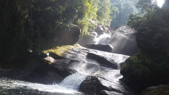 Itatiaia, RJ: cachoeira de itaporani