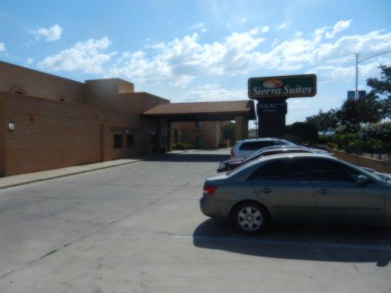 Sierra Vista, AZ: Front of hotel