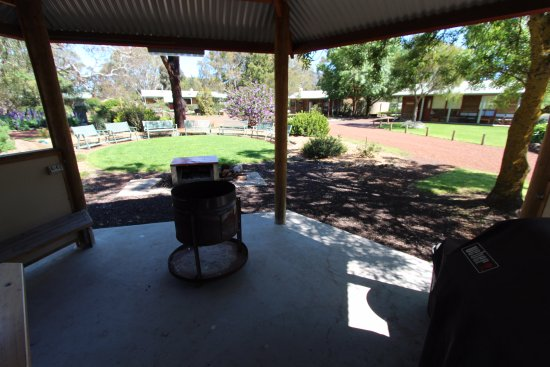 Dunkeld, Australien: View from the barbecue shelter