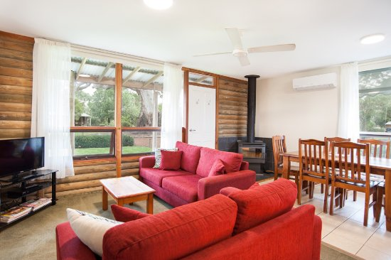 Dunkeld, Australia: All cottages have a cosy wood heater