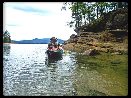 Devils Fork State Park: Canoeing was beautiful and calm.