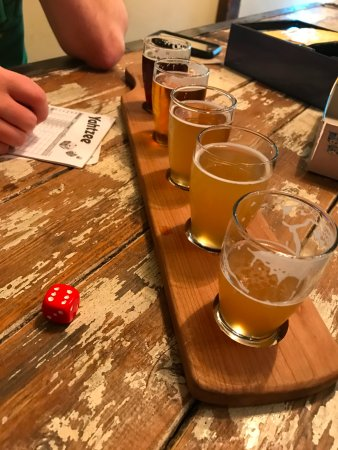 Baileys Harbor, WI: Beer flight and games