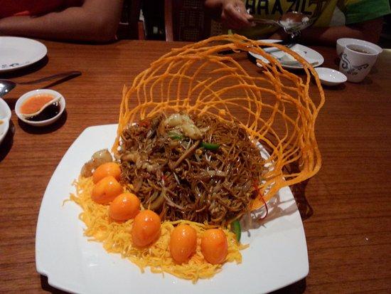 Mie Goreng Ulang Tahun - Picture of May Star Restaurant, Surabaya