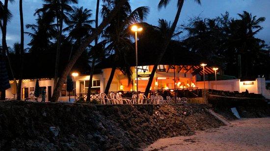 Kenya Bay Beach Hotel: IMG_20170617_183814_large.jpg