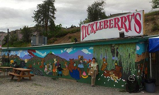Okanagan Falls, แคนาดา: You can t miss it!