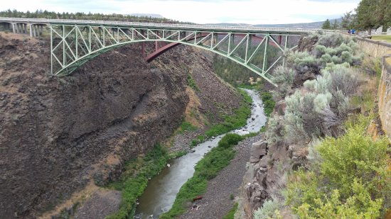 Terrebonne, OR: Auto bridge