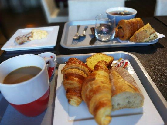 Villemandeur, France: Excellent petit déjeuner