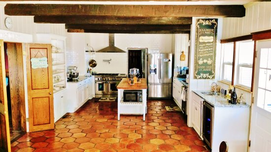 Lodi, Kalifornien: Killer Kitchen that owner/chef Rebecca makes all her lovely breakfasts..