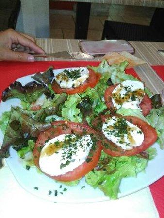 Le Beausset, Frankrike: tomates mozza