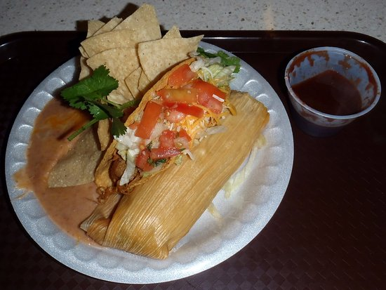 Senor Pepe: taco & tamale combination with salad and refried beans