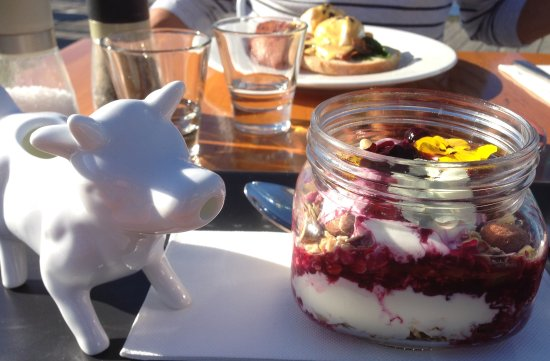 Paynesville, Australia: The serve of milk on the side was so cute.
