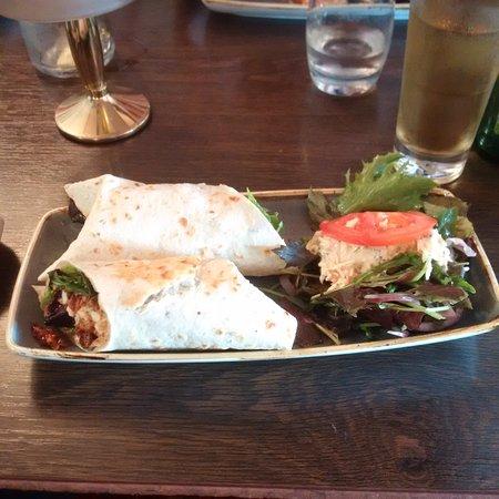 Antrim, UK: chilli chicken wrap