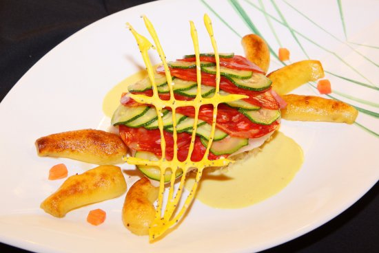 Hotel Restaurant Gilg: Filet de Turbot écaille de courgettes et chorizo