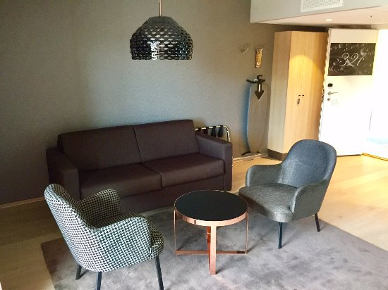 Clarion Collection Hotel Hammer: Salong i juniorsuite