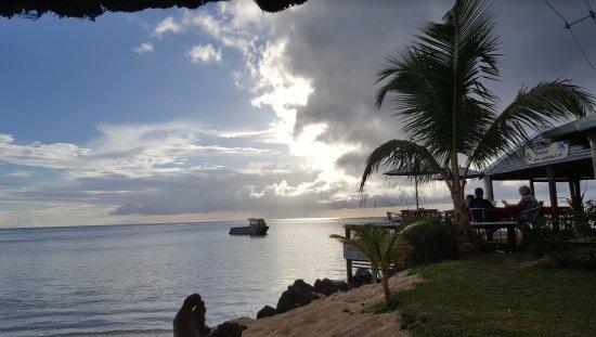 Savaii Lagoon Resort: Taking in the majesty.
