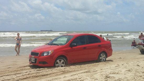 Surfside Beach, TX: Stuck car