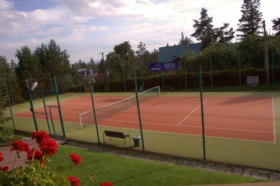 Stara Lesna, Eslovaquia: Tenisovy kurt / Tennis playground