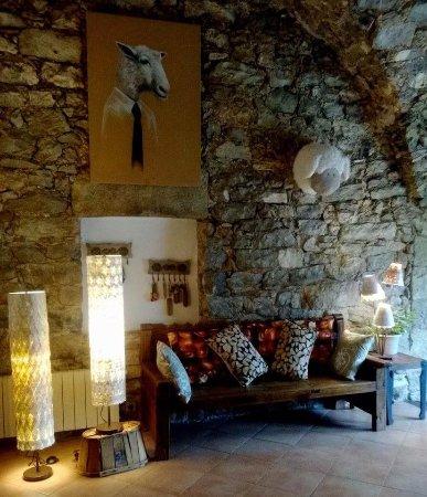 Moules-et-Baucels, France: Accueil BLANCARDY