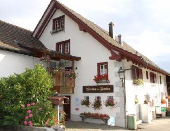 Uitikon, Switzerland: Restaurant Front