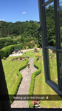 Corwen, UK: Hotel and grounds - Jume 2017
