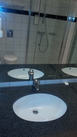 Ullensaker Municipality, Norway: Hotel Thon_Bathroom