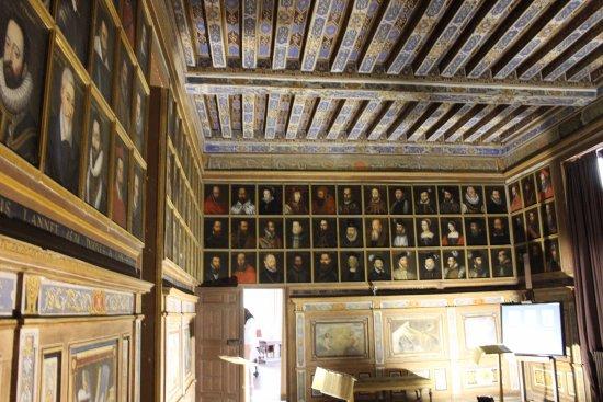 Cellettes, France: Galerie des portraits (travail incroyable!)
