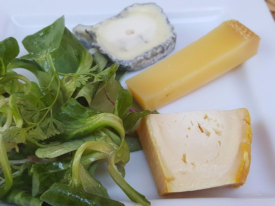 Issigeac, Франция: Cheese course