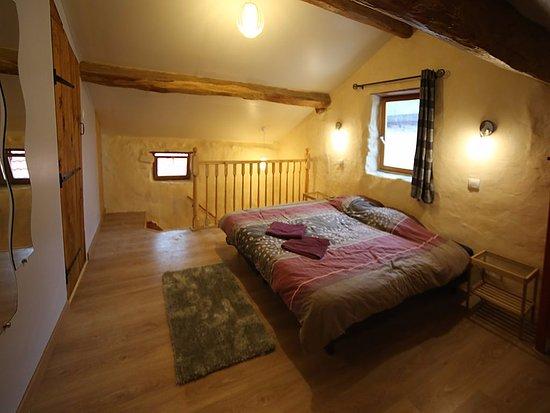 Ornolac-Ussat-les-Bains, Γαλλία: Maison La Montagne bedroom 1