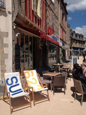 Terrasse et transat - Photo de Chez Fred, Vannes - TripAdvisor