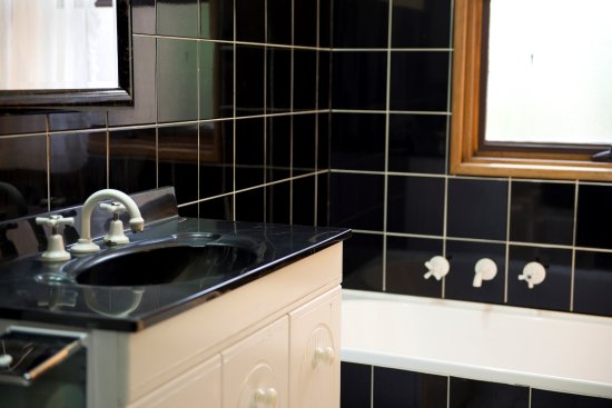Frewville, Australia: Villa 138 Bathroom