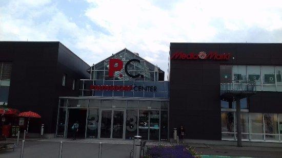 Paunsdorf Center