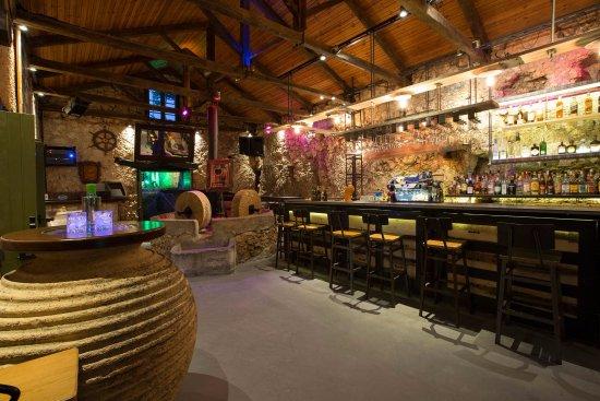 Sivota, Greece: ένα υπέροχο μπαρ