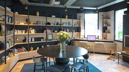 Ibis Styles Laval Centre Gare: Business corner