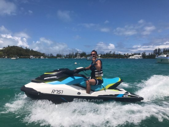 Sandys Parish, Bermuda: Reed is our jet ski tour guide he's friendly and hot. Ask for him!!!