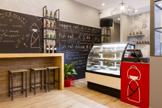 Parete Di Lavagna Prezzo : Il bancone la cassa e la lavagna a parete foto di your sushi