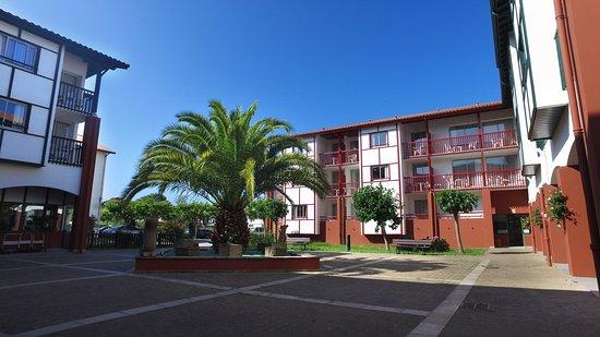 Vvf villages urrugne hotel biarritz france voir les for Hotels urrugne