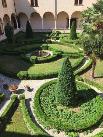 Abbazia di S.Maria di Praglia: Giardino all'italiana