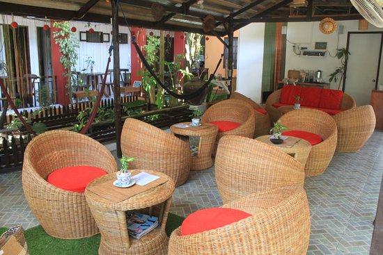 Bulskamp Inn: courtyard