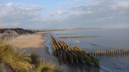 Hotel de la Baie de Wissant : vue de la plage interdite protection dunes en reamenagement