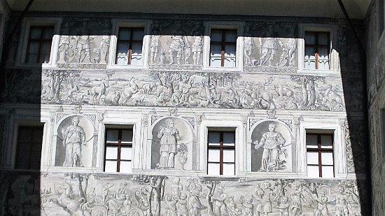 Schloss Ambras: inner courtyard from second floor
