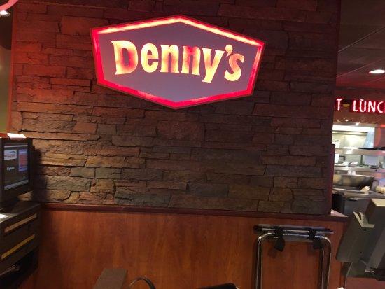 Utica, NY: Denny's - sign