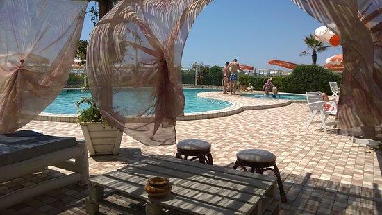 Bagno nettuno alba marina di pietrasanta all you need - Bagno adua marina di pietrasanta ...